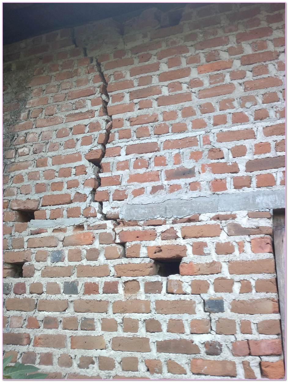 Cracks In Veneer Walls. Weep Holes Veneer Mortar Joint Masonry Veneer Lintel Expansion Joint Brick Veneer