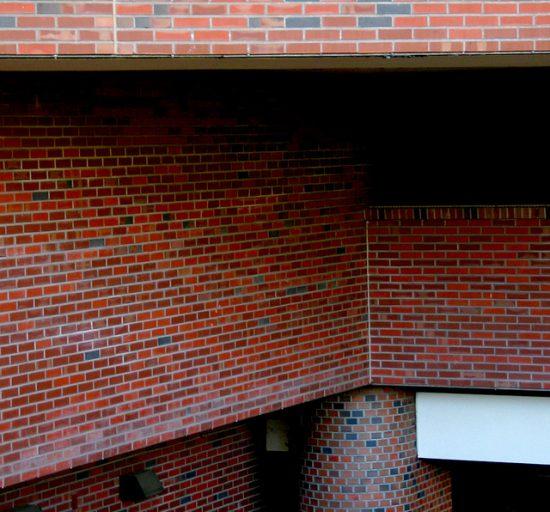 Column In Wall Masonry Steel